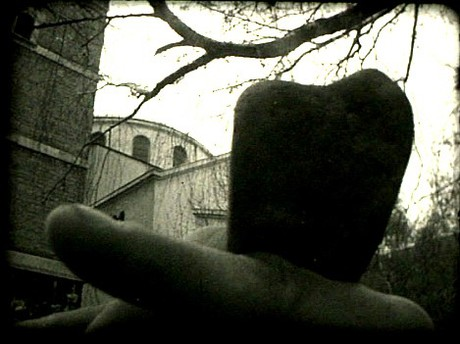 Kamen (Čovjek tuljak) – projekcija filma Zlatka Burića Kiće i Dragana Ruljančića
